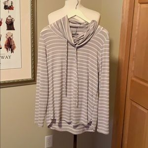STITCH FIX NWT PINK CLOVER POPLAR COWL NECK TOP M